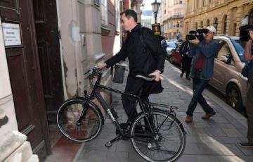 Karácsony, told el a biciklit!