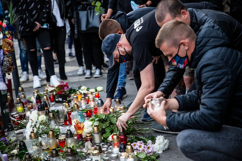 A Deák téri kettős gyilkosság egységbe kovácsolta a magyarokat | KÉPEK