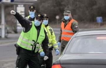 Migránsok: több mint százötven határsértőt tartóztattak föl a hétvégén