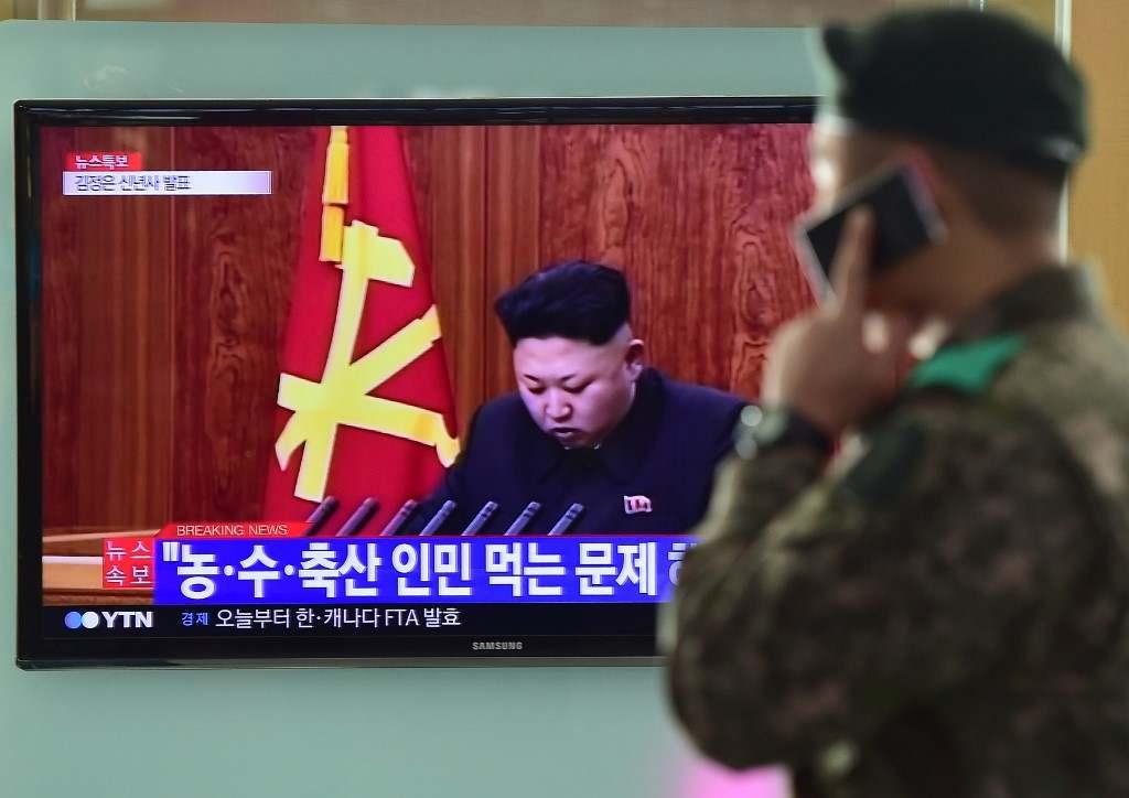"""Észak-Korea a Dél-Koreával közös """"forródrót"""" megszakításával fenyegetőzik"""